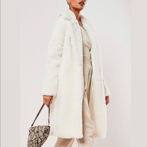 MISGUIDED US White Oversized Teddy Coat